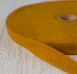 Naaldvlies band 2.5 cm breed - 5 m lang  saffran