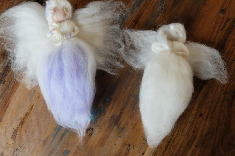 Engel wikkelen wittinten met naaldviltmateriaal plus pakket