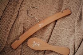 Duo set haarborstel en kledinghanger met naam