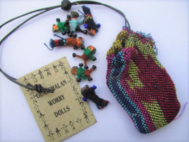 Worry dolls in buidel