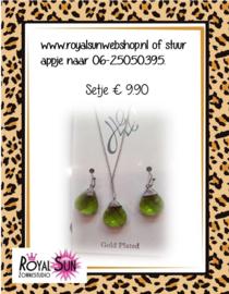 Setje oorbellen en ketting groen druppel