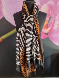sjaal in panter met zebra print