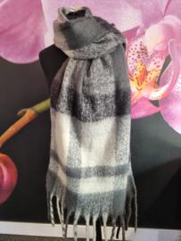Warme sjaal blokken en franjes in grijs