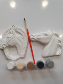 Paardenhoofdjes ( gips ) beschilderen