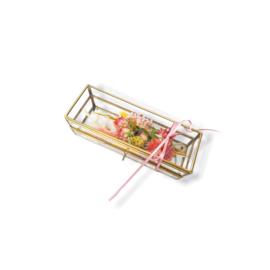Boeketje droogbloemen - Sweet pink in gouden kistje.