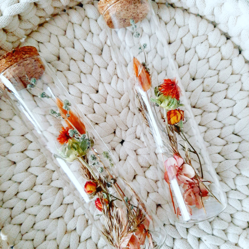 Dried flowers in a tube - Autumn M
