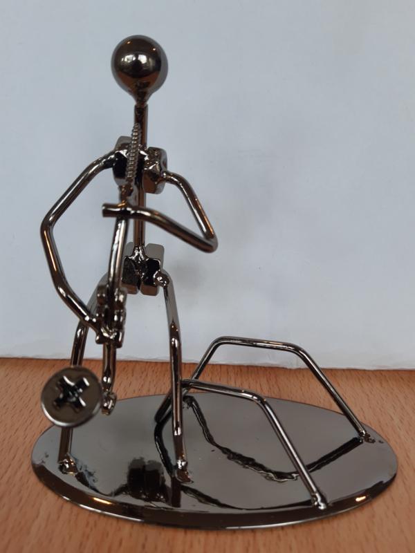Draadfiguur + visitekaarthouder van Saxofonist.