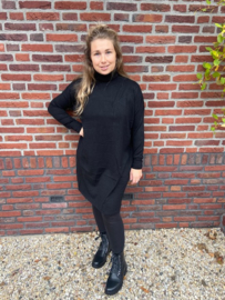 COL DRESS - ZWART