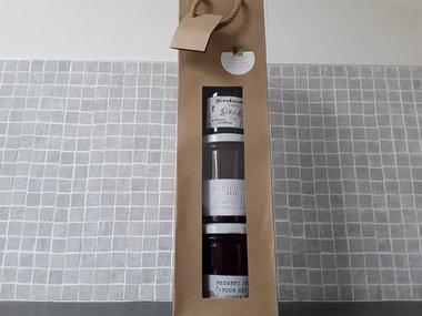 geschenkverpakking 3x huisgemaakte aardbeienconfituur