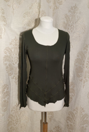 V-shaped top with sleeve moss green