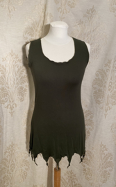 Short top with points in moss green