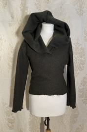 Short wrap top with hoodie made of sturdy wool moss green
