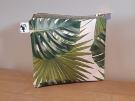 Clutch palm leaves