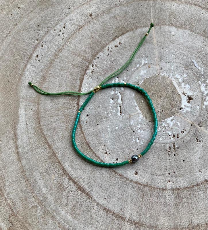 Bracelet donkergroen