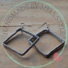 Vierkante oorbellen shamballa style