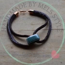 Lederen armband met keramiek kraal bruin blauw