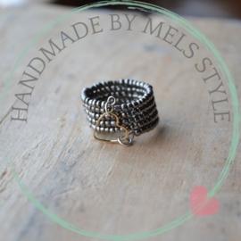 Rocailles ring met hart connector