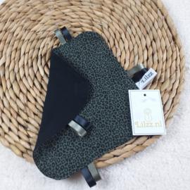 Labeldoekje legergroen met mini panterprint