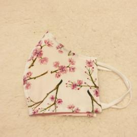 Mondkapje wit met bloesem en licht roze