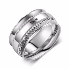 Ring met Gravering  1 Naam