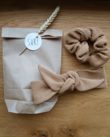 Set matching haarbandje en scrunchie rib