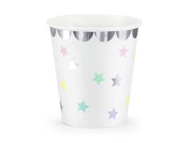 Papieren drinkbekers wit met gekleurde sterren (6st)