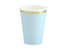 Licht blauwe bekers met gouden randje (6st)