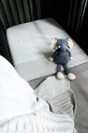 Knitted deken licht grijs