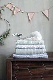 Knitted deken oud groen