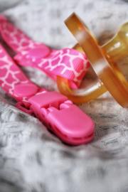 Speenkoord giraf roze