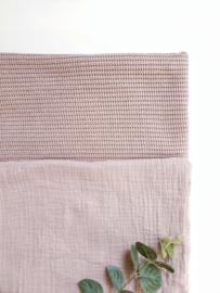 Knitted deken oud roze