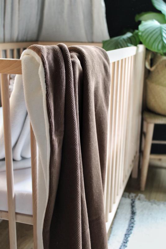 Rib deken bruin