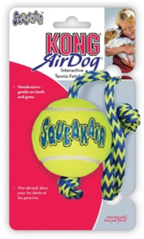 KONG Air Squeaker bal met touw medium