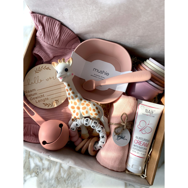 Lily Gift Box Deluxe Grande
