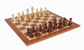 Staunton 6 in houten doos met een staunton 6 schaakbord