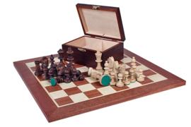 Staunton 5 in houten doos & een staunton 5 schaakbord