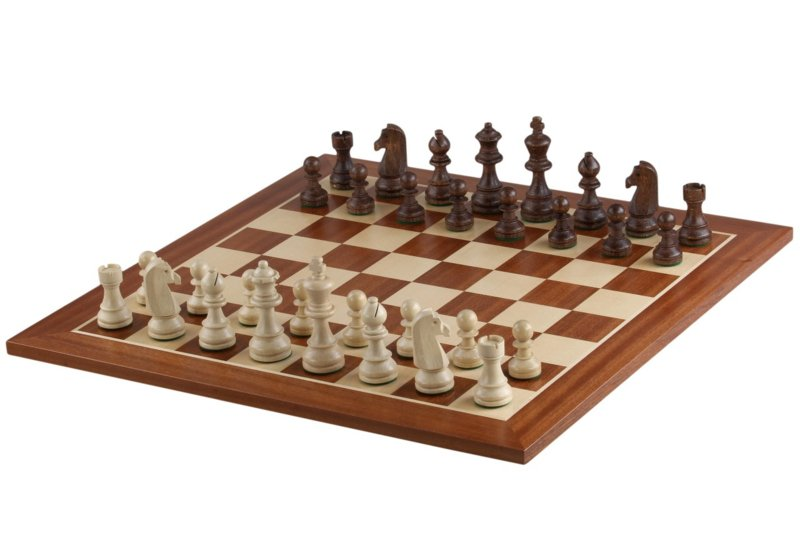 Staunton 5 wedstrijd schaakstukken+ een schaakbord