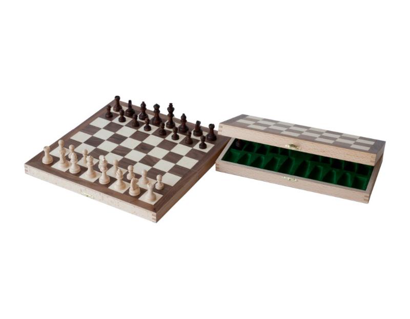 Walnoten uitklapbaar schaakspel veldgrootte 33 mm KH  56 mm
