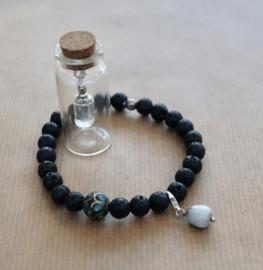 Miniatuur flesje   mini flesje voor as