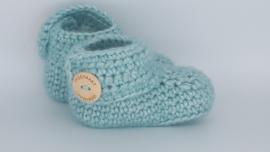 Gehaakte baby boots lichtblauw