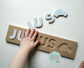 Naampuzzel 6-8 letters. Bijv. 'Julius - licht blauw'
