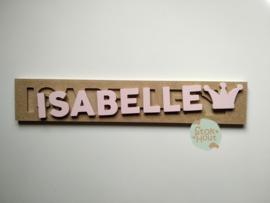 Naampuzzel 6-8 letters. Bijv. 'Isabelle - zacht roze'