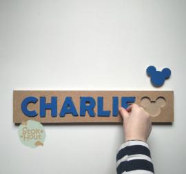 Naampuzzel 6-8 letters. Bijv. 'Charlie - donker blauw'