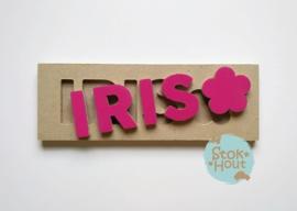 Naampuzzel 0-5 letters. Bijv. 'Iris - fuchsia roze'