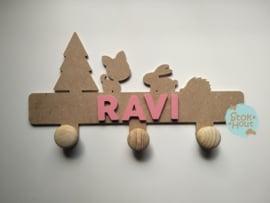 Naamkapstok - 0-5 letters. Bijv. Ravi - seventies roze'