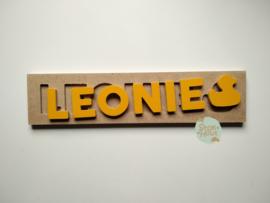 Naampuzzel 6-8 letters. Bijv. 'Leonie - zonnebloem geel'