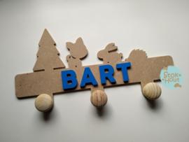 Kapstokje 'hertje' (ST213) - 0-5 letters. Bijv. Bart - donker blauw'