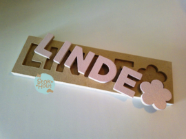 Naampuzzel 0-5 letters. Bijv. 'Linde - zacht roze'