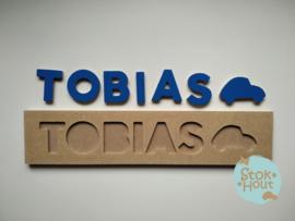 Naampuzzel 6-8 letters. Bijv. 'Tobias - donker blauw'