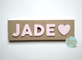 Naampuzzel 0-5 letters. Bijv. 'Jade - zacht roze'